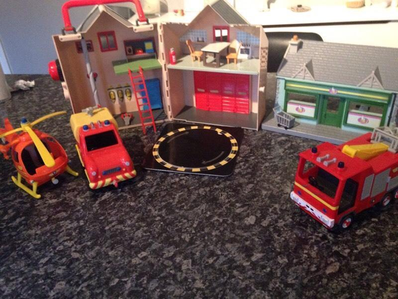 Sam Toys Station Box of Fireman Sam Toys