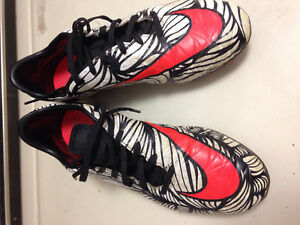 Nike Soccer Cleats mens size 8