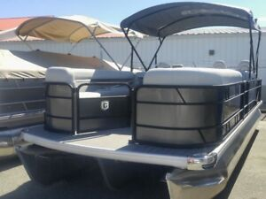 """2018 Sweetwater 2386 Wet Bar with triple 25"""" GTP toons loaded"""