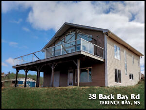 Oceanfront House, 38 Back Bay Rd, Terence Bay, NS