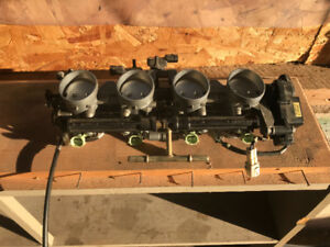 2006 ZX6R Throttle Bodies