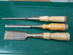HAND TOOLS - GOOD SELECTION OF VINTAGE CHISELS JUST IN