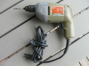 DAD'S OLD VINTAGE BLACK & DECKER 3/8-IN. ELECTRIC DRILL
