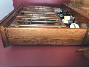 Solid Oak China Cabinet Kitchener / Waterloo Kitchener Area image 2