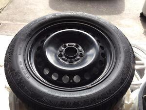 4 tires / pneus d'hiver 205 / 55 / R16 TRÈS BONNE CONDITION