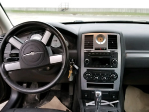 Sale!! 2010 Chrysler 300 Touring for cheap price