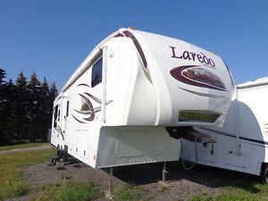 2010 Laredo Fifth Wheel 316RL