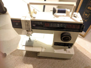 Singer Sewing Machine 4622 *Functional* *NO Power Cable*