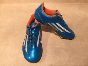 Kids Adidas F5 Outdoor Soccer Cleats Size 3 London Ontario image 8