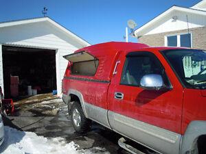Fiberglass truck cap