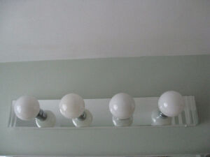 Bathroom light fixture (Wall mounted)
