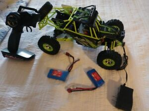 R/C 2.4GHz 4WD Off Road Vehicle with LED Light