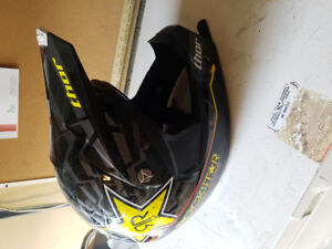 Casque scooter ou motocross ou bmx