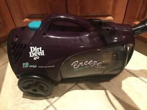 Dirt Devil 12amp Canister Vacuum with Motorized Brushroll West Island Greater Montréal image 3
