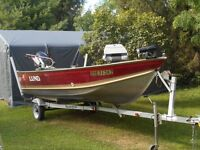 """16'3"""" LUND FISHING BOAT WITH A 40 HP EVINRUDE E-TEC!!!"""