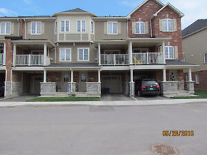 Townhouse for Rent – Uptowns of Waterdown