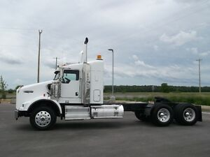 "2014 Kenworth T800 with 38"" Sleeper"