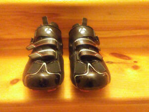 Bontrager road shoes with optional upgraded insoles. Size 47