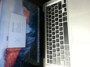 Tres bonne etat macbook pro  i5-2415M  8Gb  2011 unibody