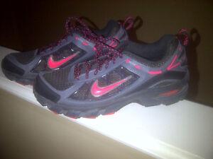 Nike Air ladies jogging shoes