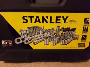 Stanley socket 85 pieces