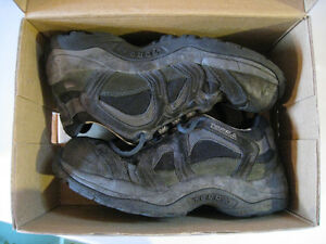 Terra work shoes size 7