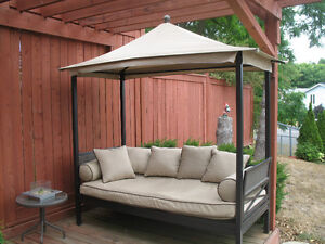 Outdoor Lounge Bed with Canopy