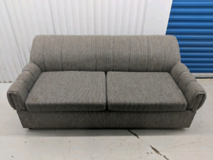 pullout couch. free delivery.