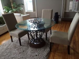 Dining chairs Cornwall Ontario image 1