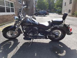 Black 2007 Yamaha V-Star Classic 650 motorcycle extras $3500 OBO