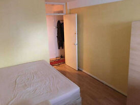 VERY NICE DOUBLE ROOM IN A SECURE BLOCK