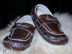 Boys Dressy Size 5 Circo Brown Loafer Shoes