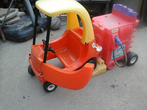 Little tikes outdoor toys/ride ons