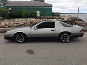 89 Camaro RS  t-roof 5 speed