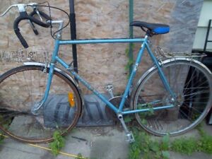 12 speed peaugeot bicycle fixer upper collectable $100. b/o