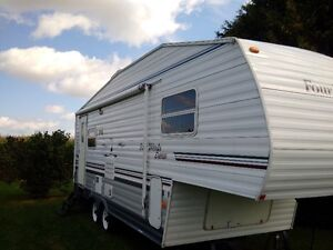 2005 Four Winds immaculate condition! 5th wheel, FREE DELIVERY