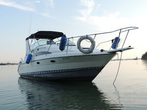 27.5 Ft Bayliner Cruiser for Sale with 'Dually' trailer