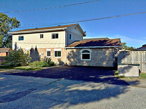 Beautiful Home with Home-based Business Space in Espanola