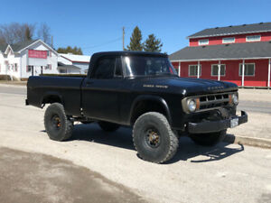 1968 Fargo/Dodge W100 Power Wagon 4x4 - 12 valve Cummins Swapped