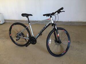 2018 Giant Roam 2 Disc Bike