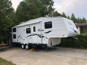 27. FT. Pilgrim Lite 5th Wheel Trailer