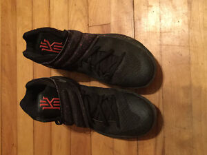 Kyrie Irving 2's Size 10 Excellent Shape