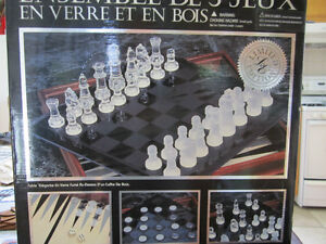 3 jeux echec , dame et trictrac West Island Greater Montréal image 1
