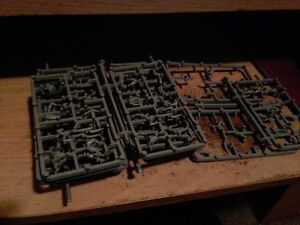 Warhammer 40k Dark Eldar Warriors (UNPAINTED)
