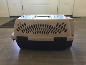 Small dog or cat travel kennel