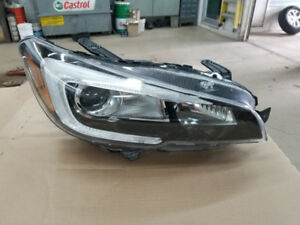 Subaru WRX STI 2017 Headlight avant droit LED