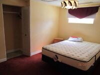 Dickensfield 2 rooms for rent.