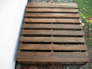 Heavy Duty large pallet coffee table $198. Williams Lake Cariboo Area image 2