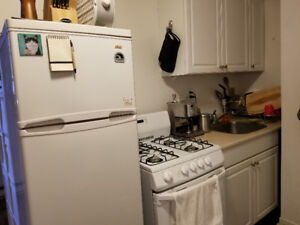 Close to Yonge/Bloor Bachelor Apt. Available July 1 Util include