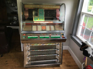 1955 Seeburg Jukebox V200